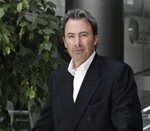 John A. Lynn, CEO y Presidente de Grey Group